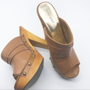 Nine West Tan Leather Band Heels w stud detail 6.5